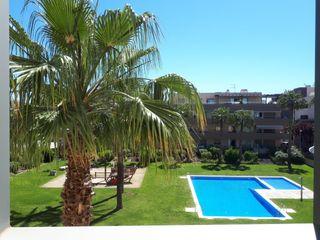 Flat  Carrer jordi puig-la calle. Con parking, piscina comunitaria