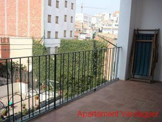 Holiday lettings Apartment in Carrer sant domenec, 51. Pis molt cèntric