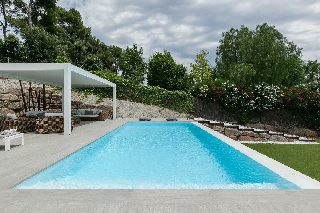 Casa  Carrer cedre. Casa unifamiliar con piscina