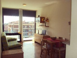 Miete Appartement  Zona tranquila y agradable. 1hab + parking, soleado