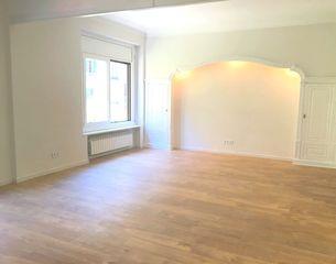 Alquiler Piso en Carrer muntaner, 379. Fantástico piso reformado
