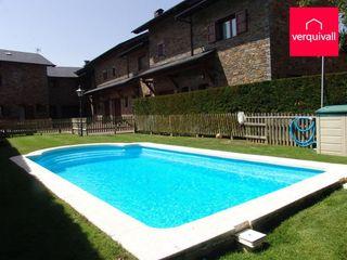 Maison jumelée dans Travessera passeig sant guillem, 1. Situada en zona exclusiva