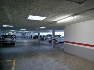 Aparcament cotxe  Gran via corts catalanes. Plaza de parquing fácil acceso