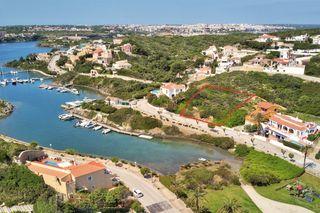 Terreno residencial Cala Llonga. Situado frente al mar