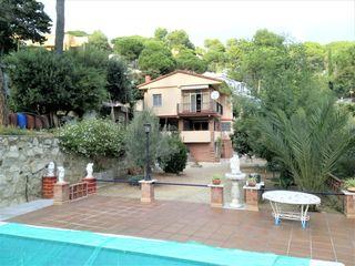 Chalet  Urbanització can cabot (de). Casa 4 vientos piscina, garaje,