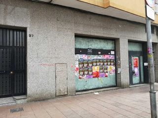 Local Comercial en Avinguda Santa Coloma, 27