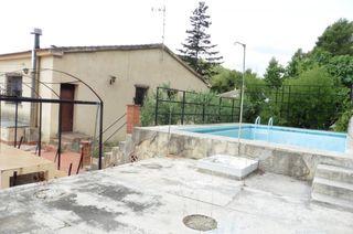 Casa en Torrelles de Foix. Casa con vistas a la montaña