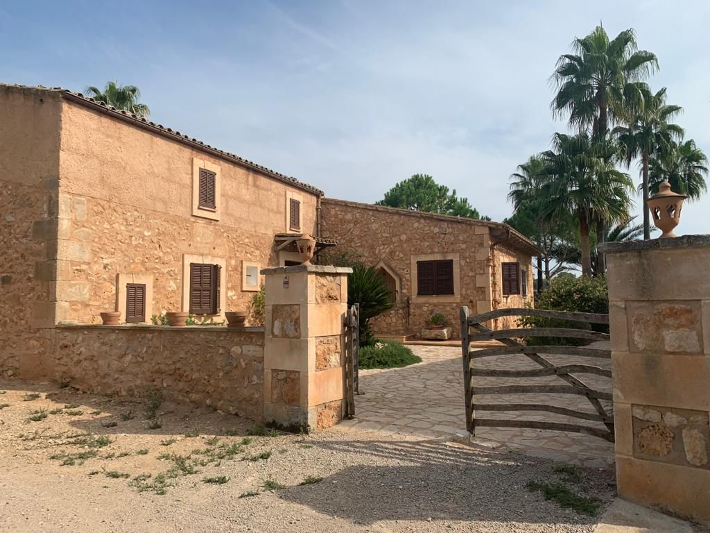 Rent Country house in Ma 5010, 20. Bonita finca rustica alquiler