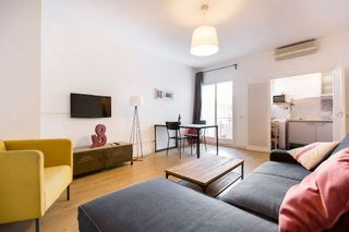 Holiday lettings Apartment in Carrer marina, 104. Acogedor, luminoso y tranquilo