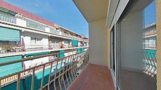 Piso en Estruch-Eixample. 3 habitaciones con balcon