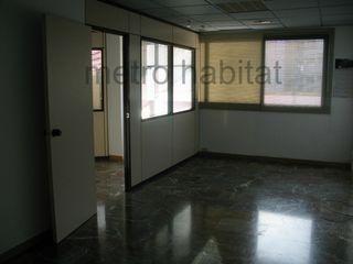 Alquiler Oficina  Carrer barcelona. Despatx amb llum natural i sol