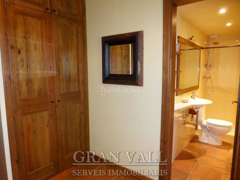 Bany. House with fireplace heating parking in Prats i Sansor