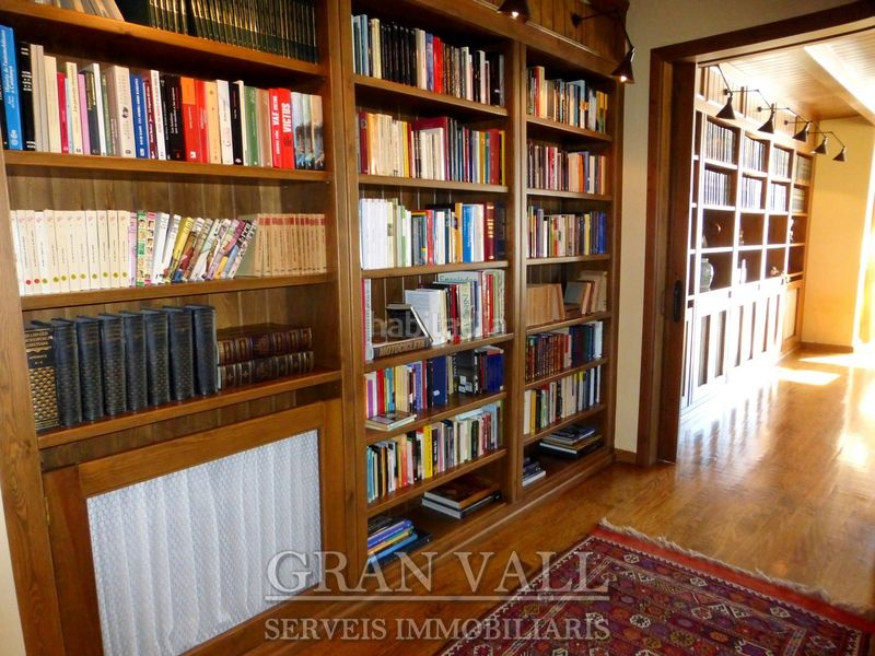 Biblioteca. House with fireplace heating parking in Prats i Sansor
