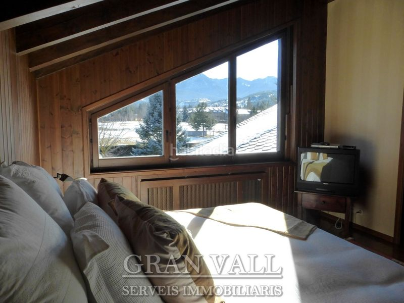 Màster suite. House with fireplace heating parking in Prats i Sansor