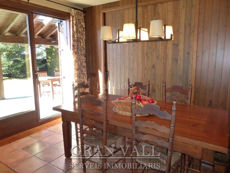 Menjador. House with fireplace heating parking in Prats i Sansor