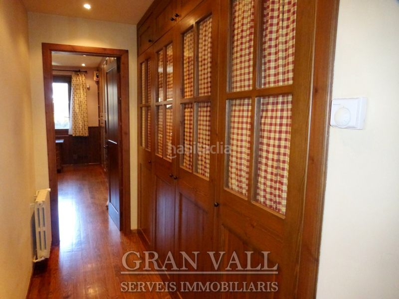 Passadís. House with fireplace heating parking in Prats i Sansor