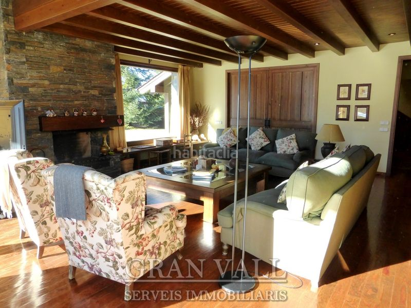 Sala. House with fireplace heating parking in Prats i Sansor