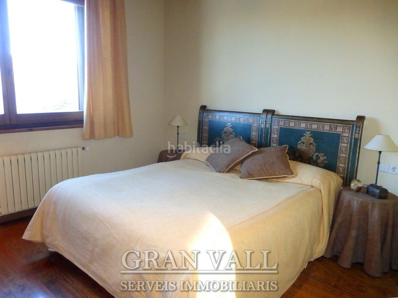 Suite 2. House with fireplace heating parking in Prats i Sansor