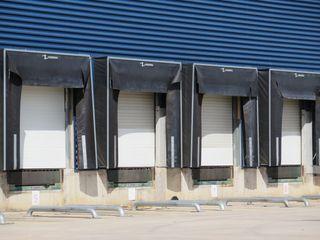 Alquiler Nave industrial  Celrà. Nau+pati  8500m²:moll carga/des.