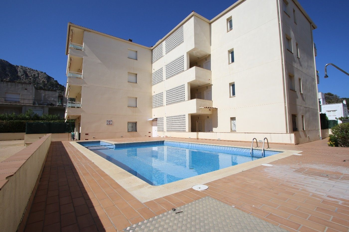 Apartment in Carrer guillem de montgri, 13 1. Vivienda a 100 m playa