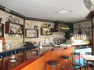 Local Comercial en Centre. Bar para inversión en pineda
