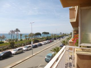 Appartement  1ª linea de mar. Excelentes vistas