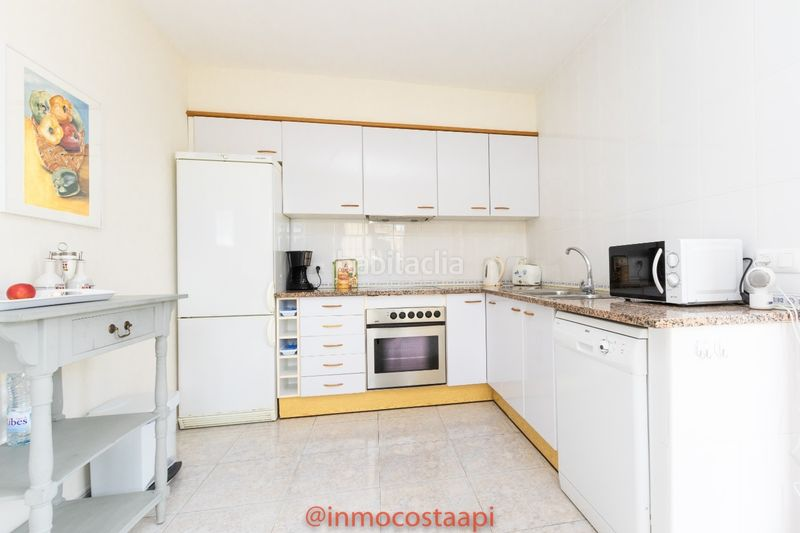 Cocina tipo office. Casa pareada en carrer suissa casa con piscina privada en Estartit