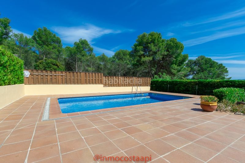Piscina privada. Casa pareada en carrer suissa casa con piscina privada en Estartit
