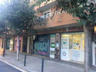Local commercial dans Carrer santiago ramon y cajal, 31. Junto metro sta eulalia