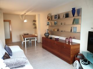 Rent Apartment in Carrer doctor hermenegild arruga (del), 2. Muy centrico