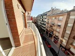 Location Appartement  Carrer mare de deu de nuria. En el centro
