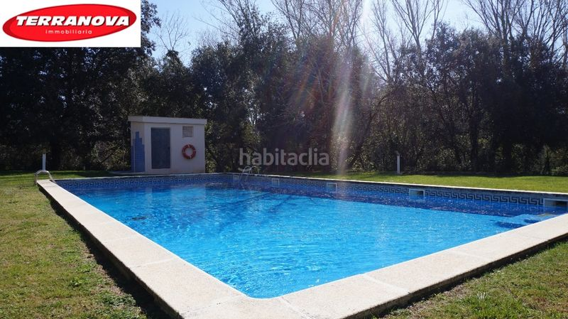 Piscina comunitaria. Semi detached house with fireplace heating parking pool in Ametlla del Vallès (L´)