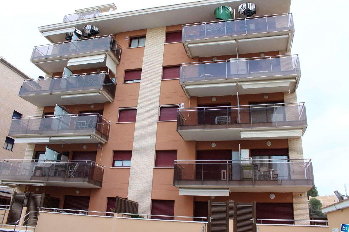Appartement Carrer Prolongacio Mossen Jaume Soler. Anrufen und informieren!