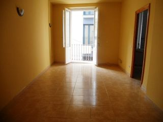 Rent Apartment  Carrer sant elm (de). Centre