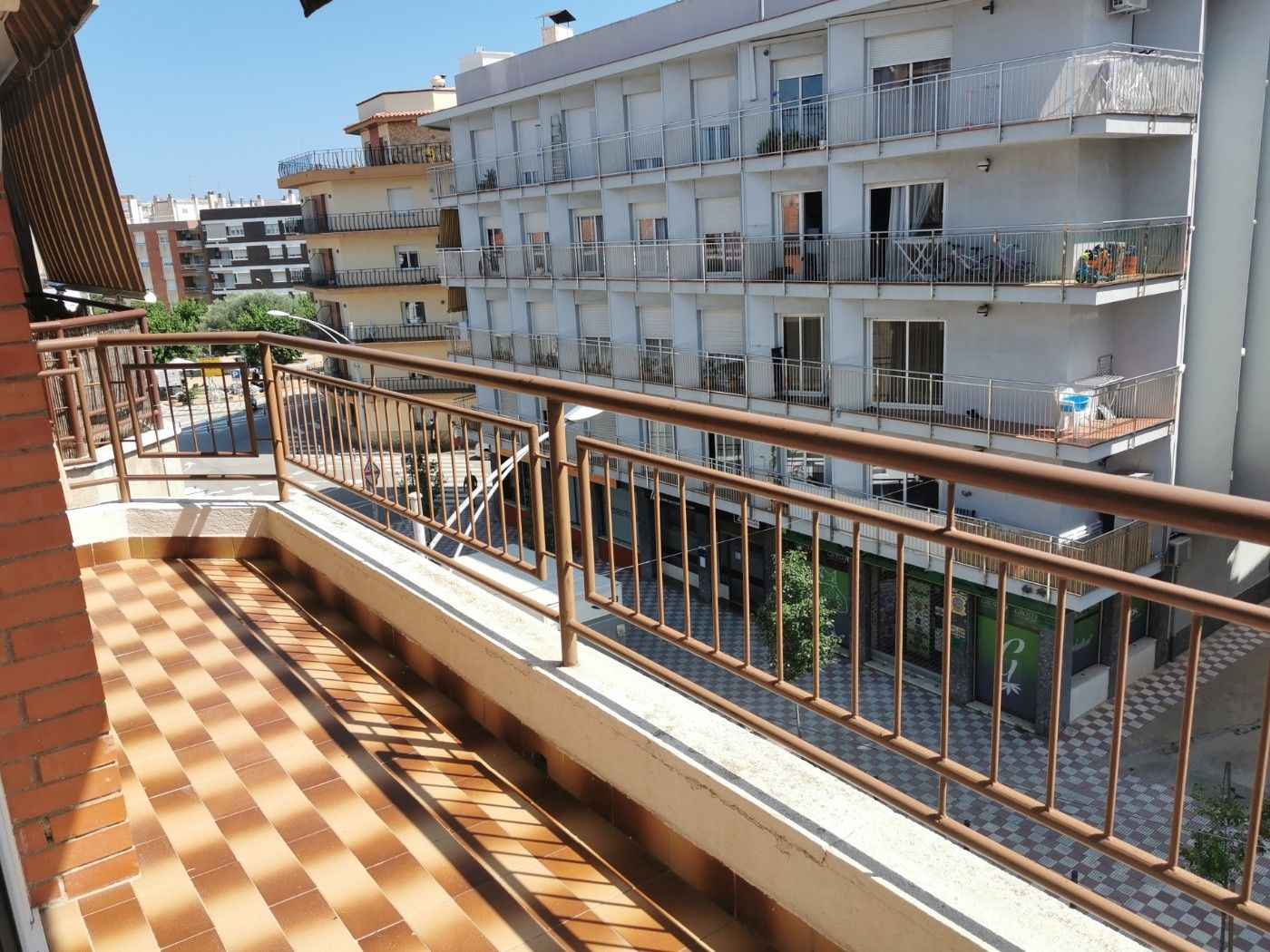 Location Appartement à Centre. Piso de 4 habitaciones en pineda