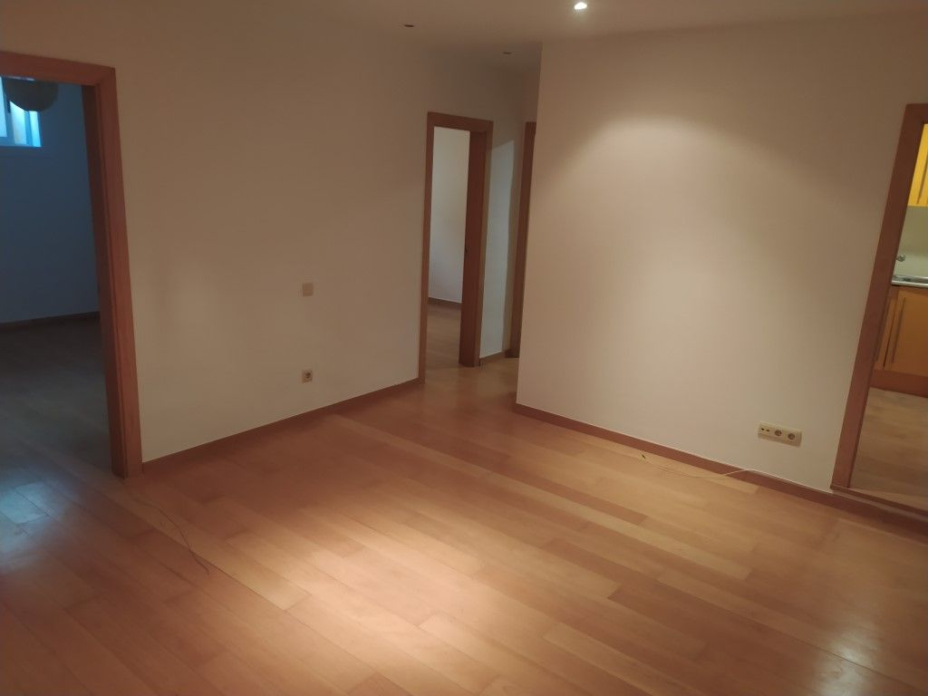 Rent Apartment  Carrer marmella. Piso en calle marmella