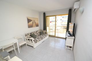 Rent Apartment in Carrer joan miro (de), 1. Directo proprietario hasta mayo