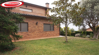 House  El serrat. Con parcela plana