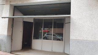 Local Comercial en Carrer cerdans, 20. Local + gran  almacen de 180 m2