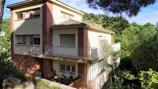Casa Carrer Prat De La Riba. Posible cambio de uso
