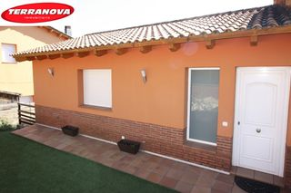 Rent House  El serrat. Con piscina