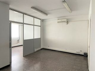 Rent Office space in Centre. Ubicacio immillorable