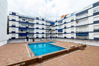 Etagenwohnung in Carrer girona, 1. Con piscina comunitaria