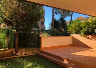 Pis a Carrer camp d´or, 10. 17m2 de terrassa + 65m2 de jardí