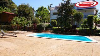 House  Les roquetes. Con excelente parcela y piscina