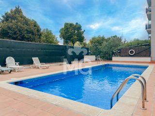 Pis  Avinguda paisos catalans. Amb piscina comunitària