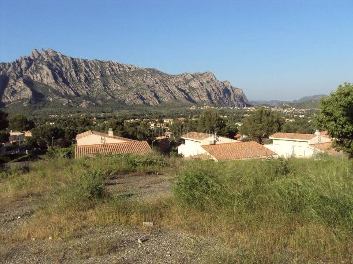 Terreno residencial en Can dalmases. Pida información sin compromiso.