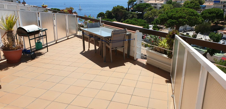 Apartamento en Urbanització cala salions, 29. A pie de playa, gran terraza