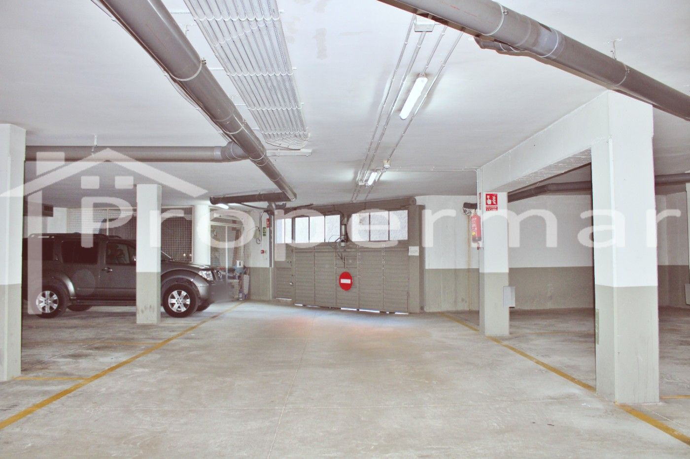 Parking coche  Centro. Plaza de parking en la roca !!