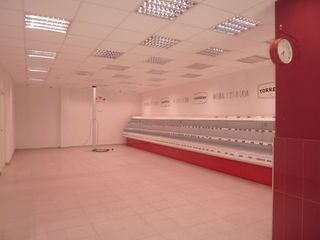 Rent Business premise  Carrer pompeu fabra. Local comercial